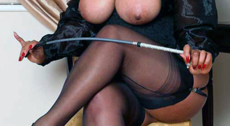 Mistress sadica al tuo servizio